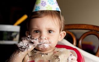 Какие сладости можно ребенку в 3 года. С какого возраста можно давать ребенку сладости?