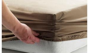 Как выбрать и как складывать простынь на резинке. Советы по уходу и глажке.