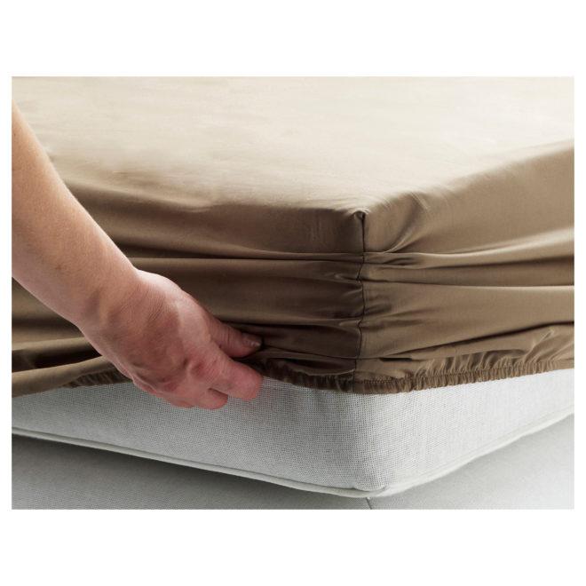 Как складывать простынь на резинке