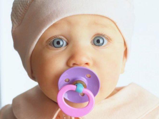 в каком возрасте отучать ребенка от пустышки
