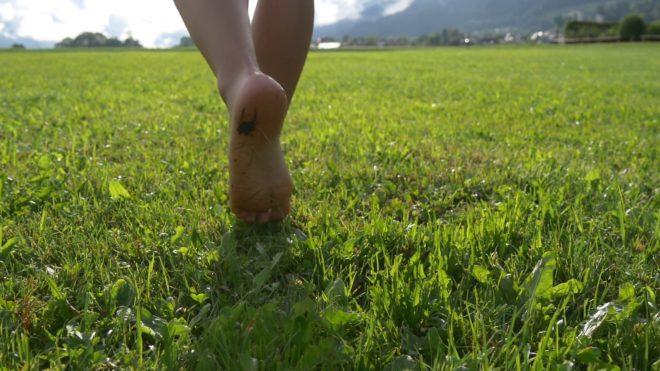 польза ходить босиком