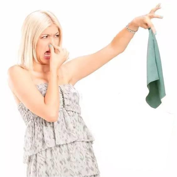 как устранить запахи кухонных полотенец