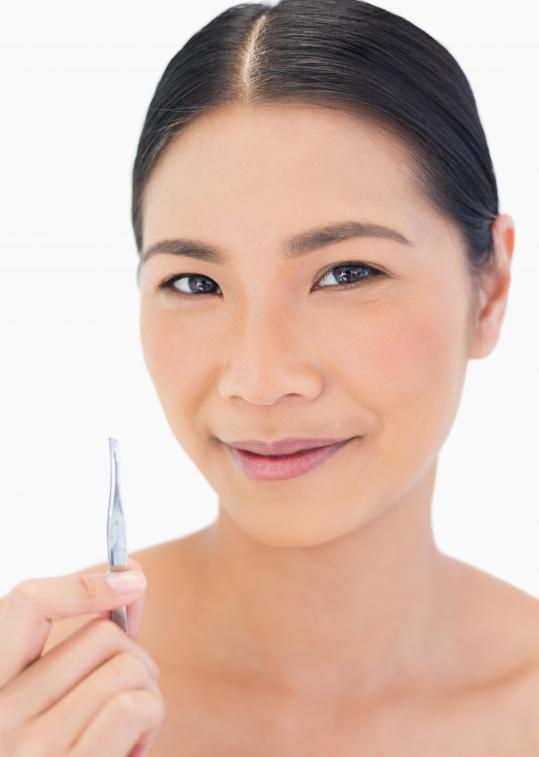 удалить волосы в носу в домашних условиях