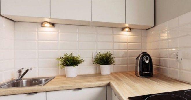 освещение над рабочей поверхностью на кухне